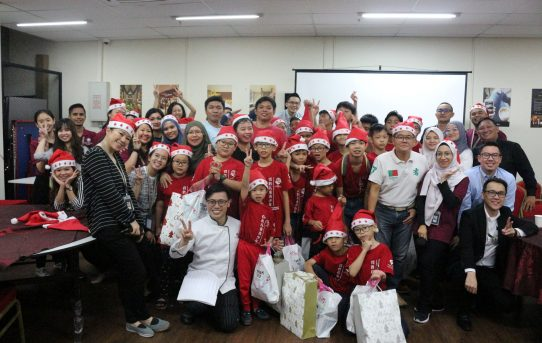 Plaza Premium Group Malaysia sharing festive joy with children from Victory of Children and Youth Home.